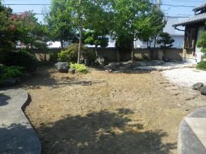 土のすき取りをしました。